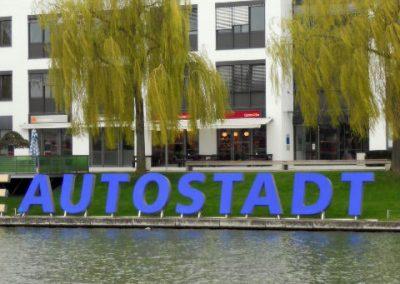 Grossbuchstaben Autostadt Volkswagen Wolfsburg