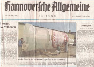 Zeitungsartikel Fertigung Smirnoff Flasche