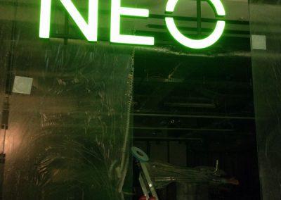 Installation Leuchtbuchstaben Adidas Neo Berlin