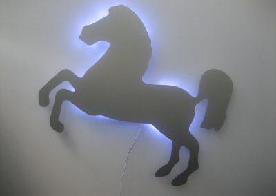 Logo Pferd beleuchtet