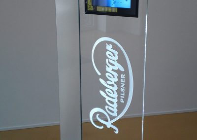 Radeberger Display Säule