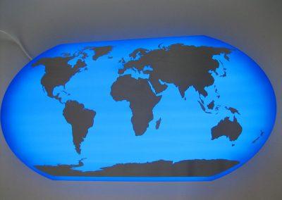 Weltkarte mit LED Beleuchtung für Vorstandsbüro Schenker Logistics USA